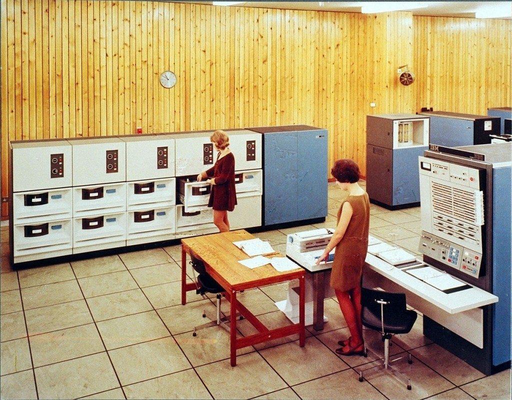 IBM 2310 - 1965 year